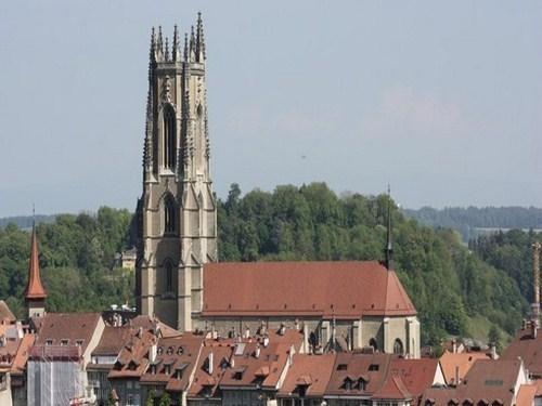 Catedral de San Nicolás en Friburgo (Suiza)