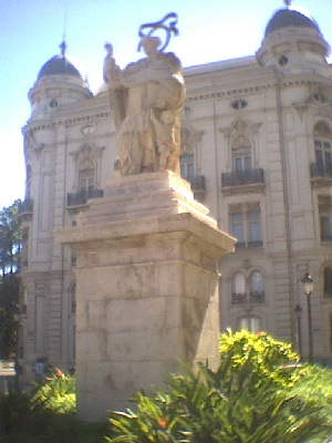 Monumento a San Vicente Ferrer. Valencia España