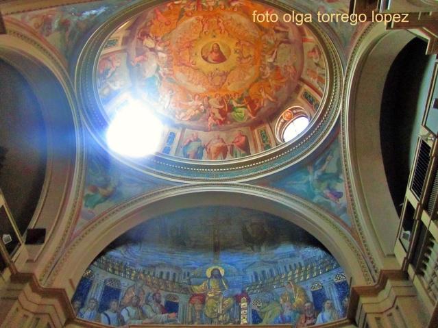 Basílica de Santa Práxedes. Roma.  Fresco con las dos hermanas, Santa Práxedes y Santa Pudenciana