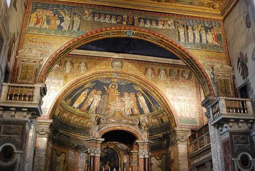 La Basílica de Santa Prassede es una de las muchas basílicas que se encuentran repartidas por toda la ciudad de Roma